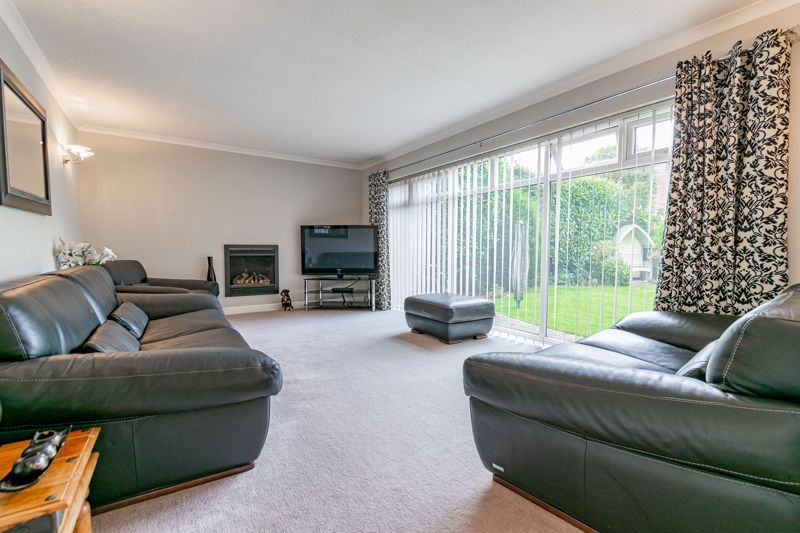 4 bed bungalow for sale in Alcester Road 7