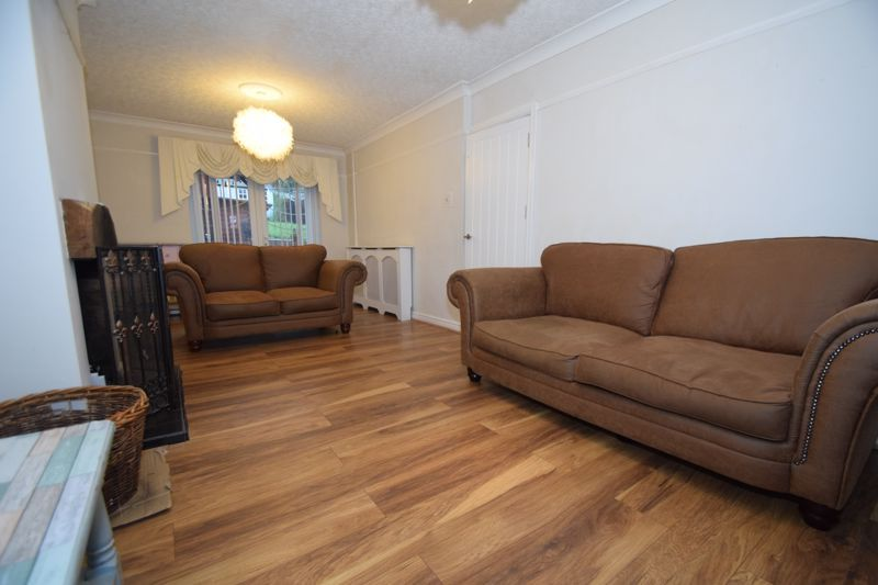 5 bed house to rent in Forge Mill Road 2