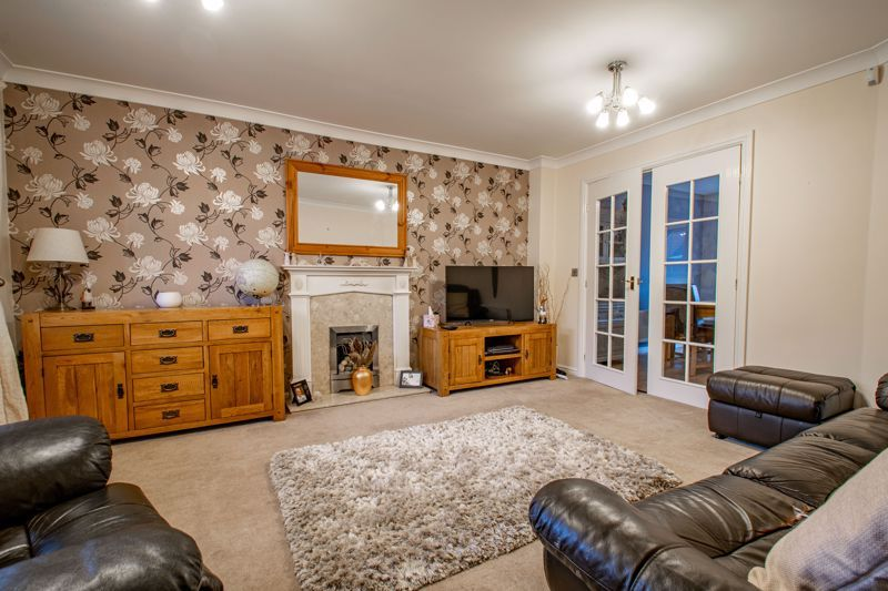 4 bed house for sale in Appletrees Crescent  - Property Image 2