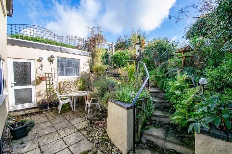 3 bed cottage for sale in Fairfield Road 12