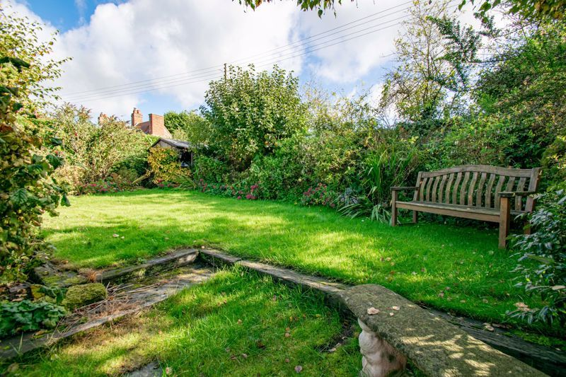 3 bed cottage for sale in Fairfield Road 13