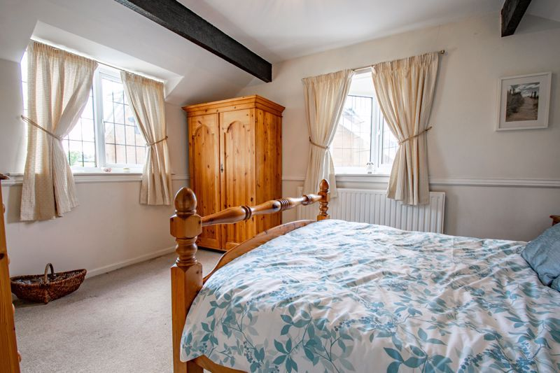 3 bed cottage for sale in Fairfield Road 17