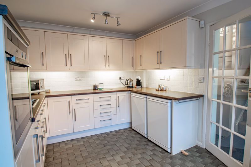 3 bed cottage for sale in Fairfield Road 18
