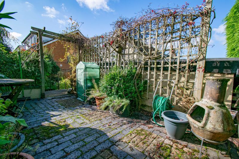 3 bed cottage for sale in Fairfield Road 19