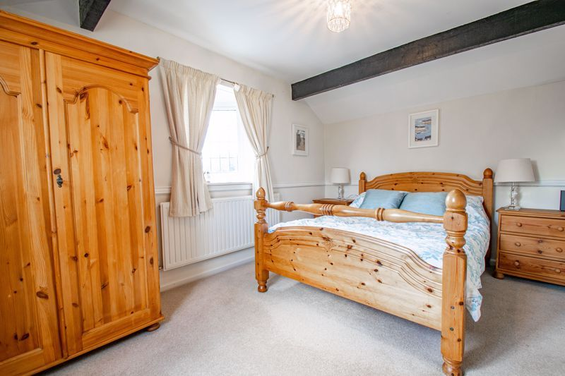 3 bed cottage for sale in Fairfield Road 9