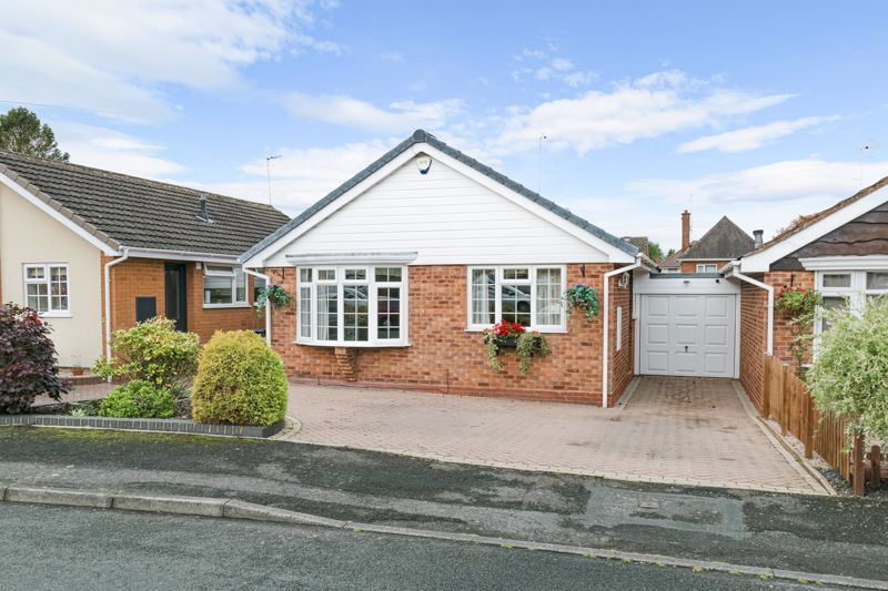 2 bed bungalow for sale in Hungerford Road  - Property Image 1