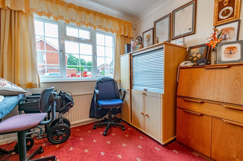 2 bed bungalow for sale in Hungerford Road  - Property Image 12