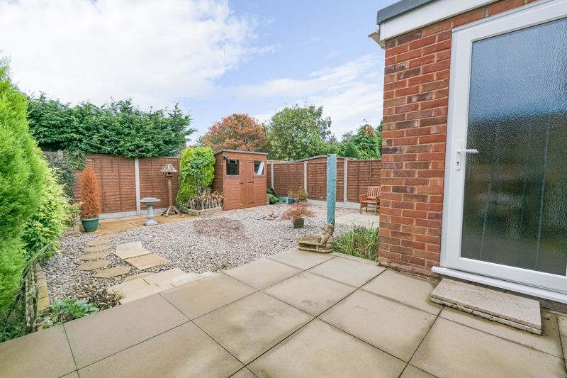 2 bed bungalow for sale in Hungerford Road 14
