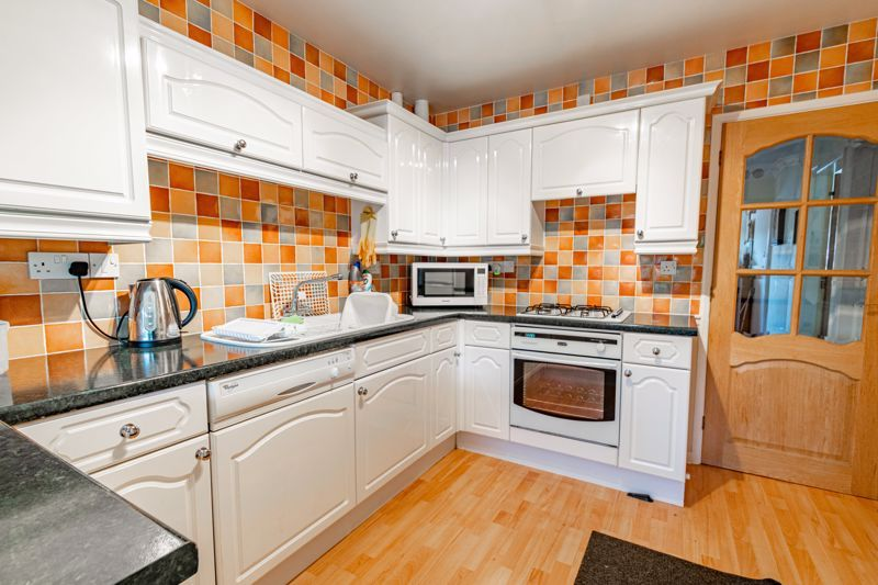 2 bed bungalow for sale in Hungerford Road  - Property Image 7
