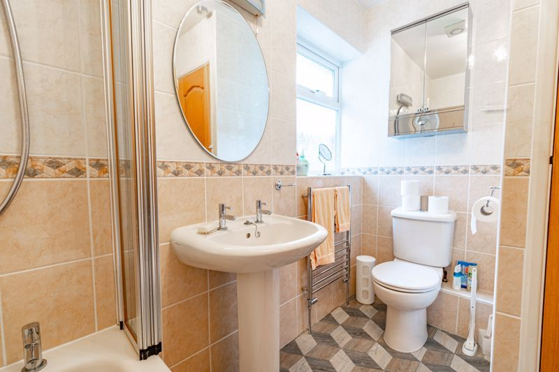 2 bed bungalow for sale in Hungerford Road  - Property Image 9