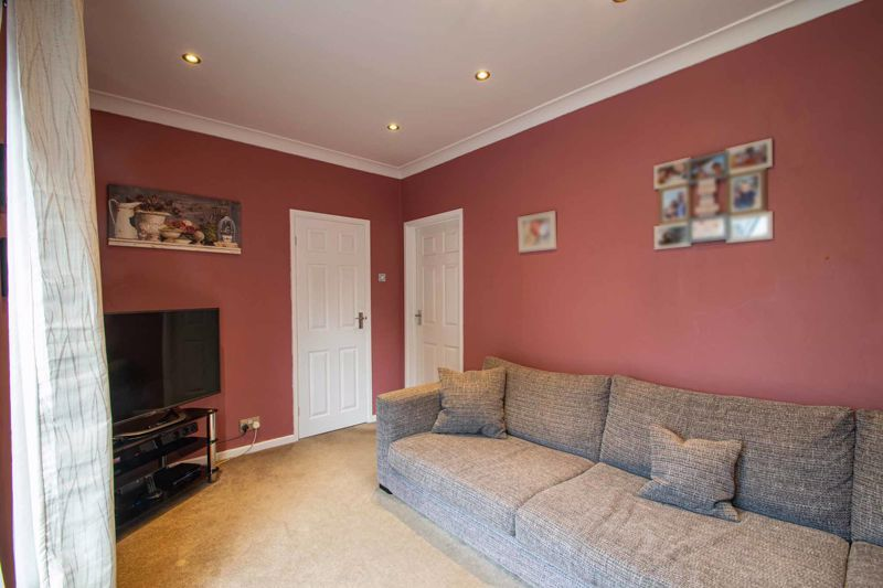 3 bed house for sale in Hillbrow Crescent  - Property Image 14
