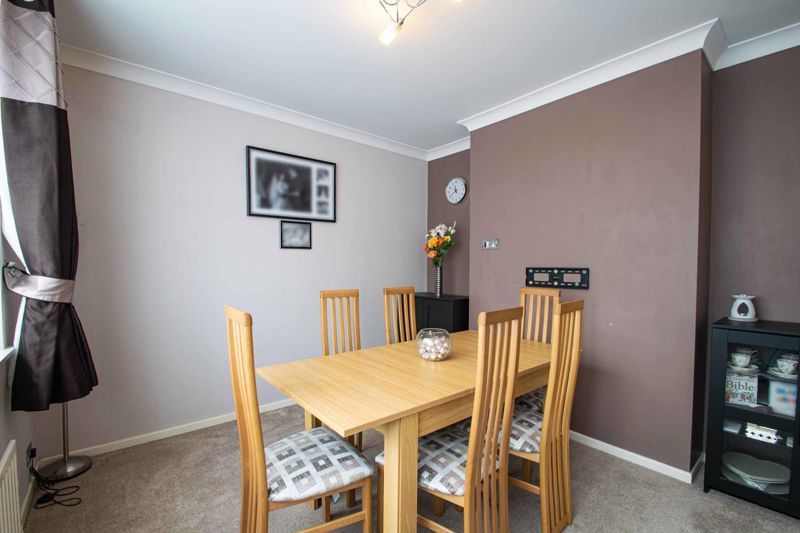3 bed house for sale in Hillbrow Crescent 5