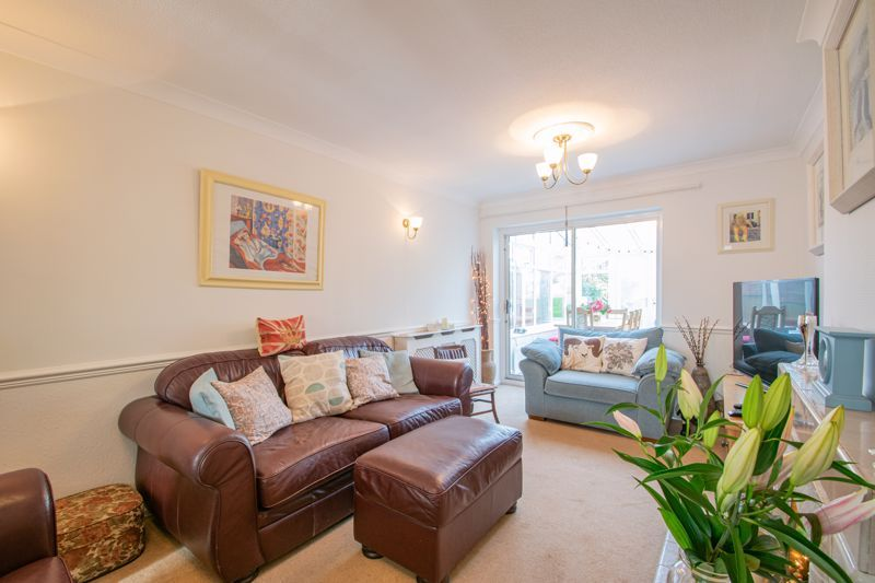 5 bed house for sale in Longlands Road 2