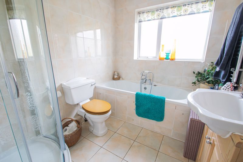 5 bed house for sale in Longlands Road 12