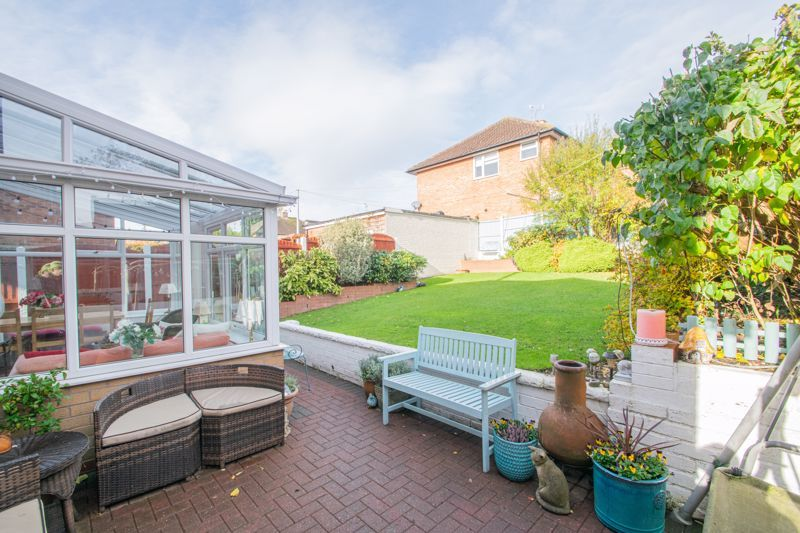 5 bed house for sale in Longlands Road  - Property Image 13