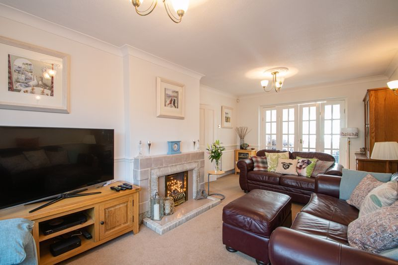 5 bed house for sale in Longlands Road  - Property Image 14