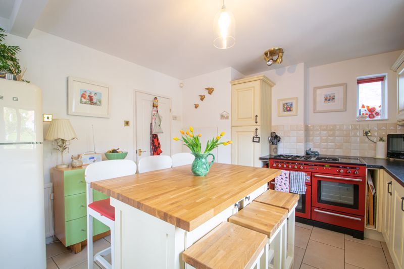 5 bed house for sale in Longlands Road 15