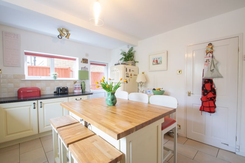 5 bed house for sale in Longlands Road 16