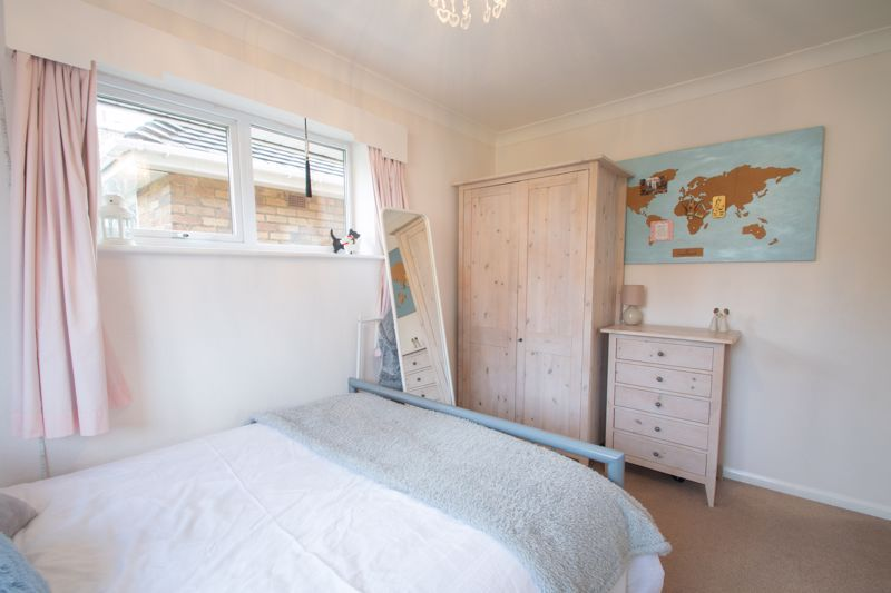 5 bed house for sale in Longlands Road 18