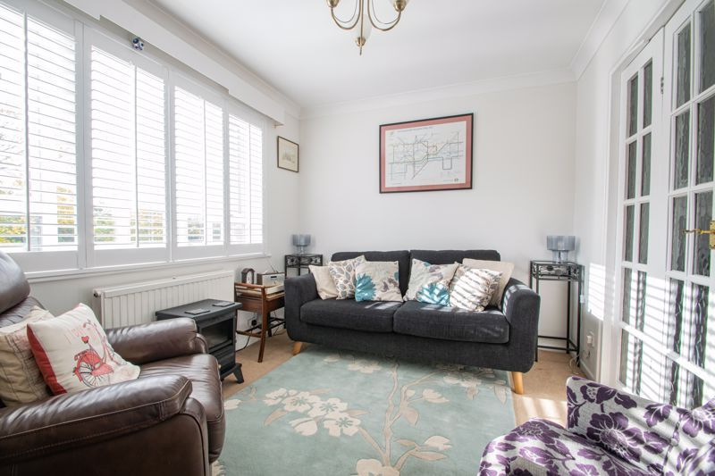 5 bed house for sale in Longlands Road 4