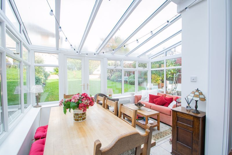 5 bed house for sale in Longlands Road 6