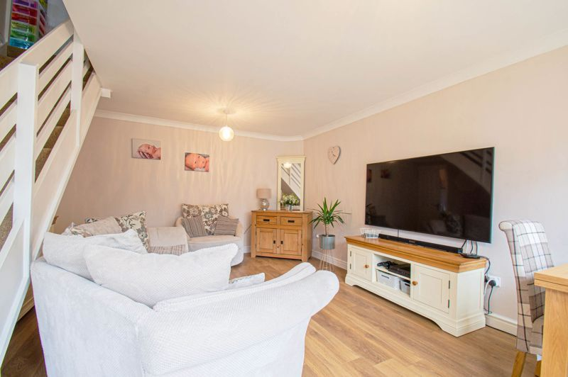 3 bed house for sale in Pembridge Close  - Property Image 3