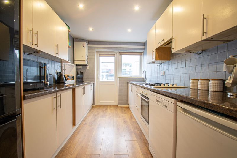 3 bed house for sale in Pembridge Close 4
