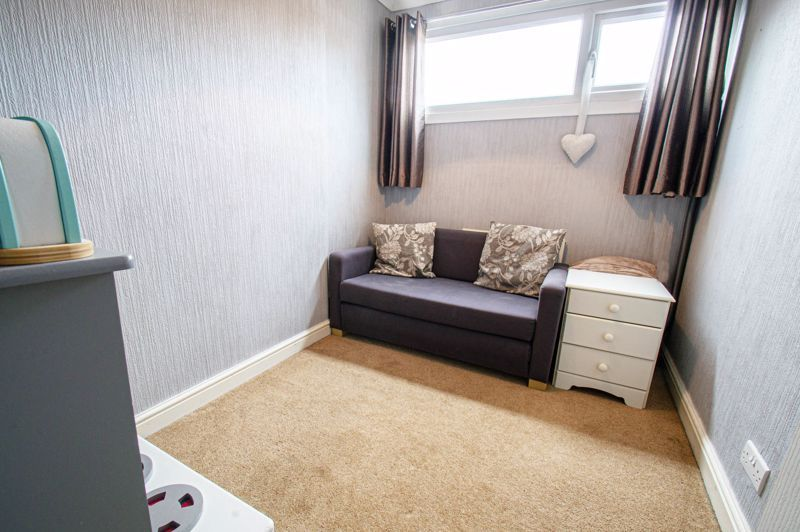 3 bed house for sale in Pembridge Close 9