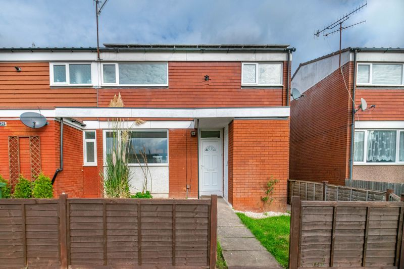 3 bed house for sale in Fulbrook Close  - Property Image 1