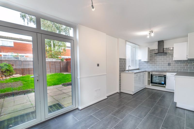 3 bed house for sale in Fulbrook Close 3