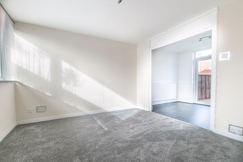 3 bed house for sale in Fulbrook Close  - Property Image 6