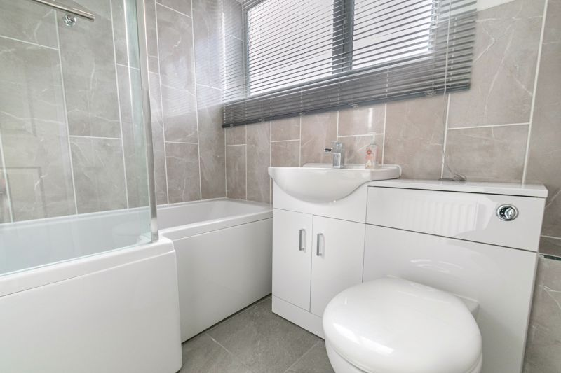 3 bed house for sale in Fulbrook Close 10