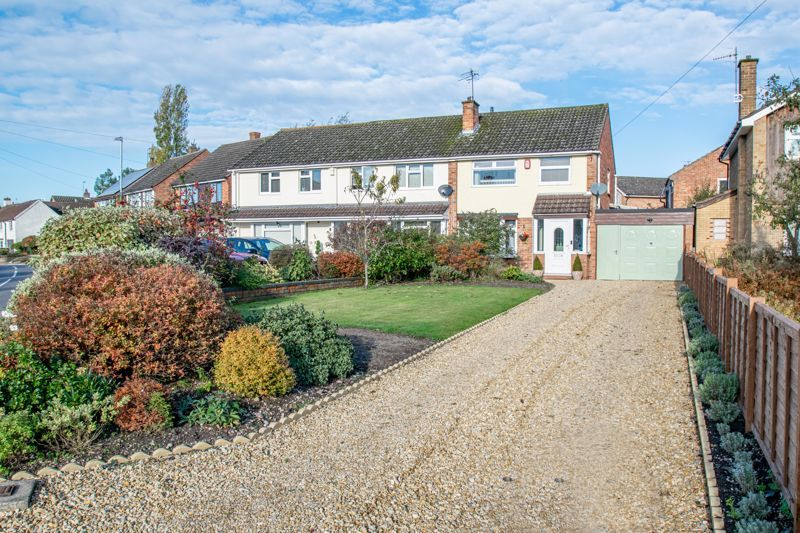 3 bed house for sale in Littleheath Lane 1