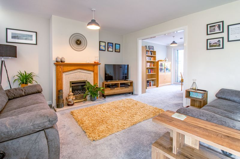 3 bed house for sale in Littleheath Lane 2