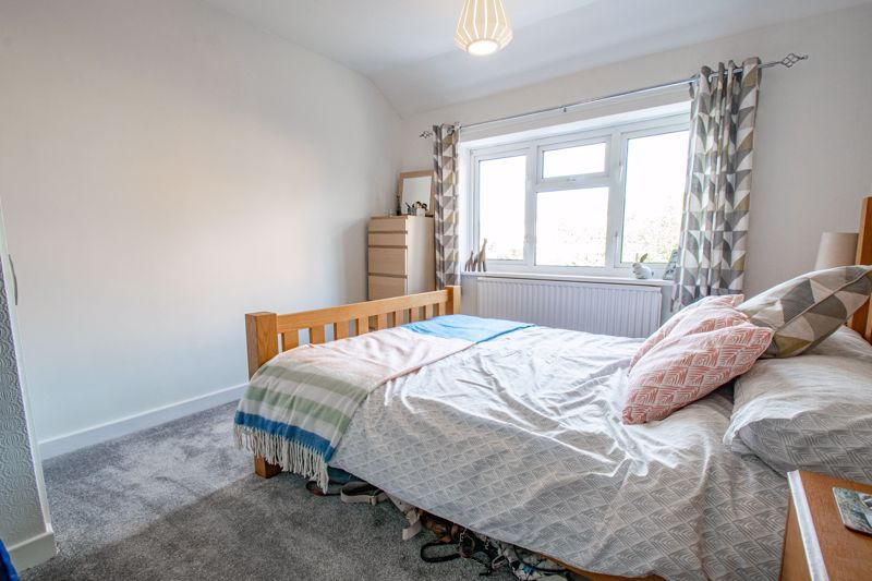 3 bed house for sale in Littleheath Lane  - Property Image 9