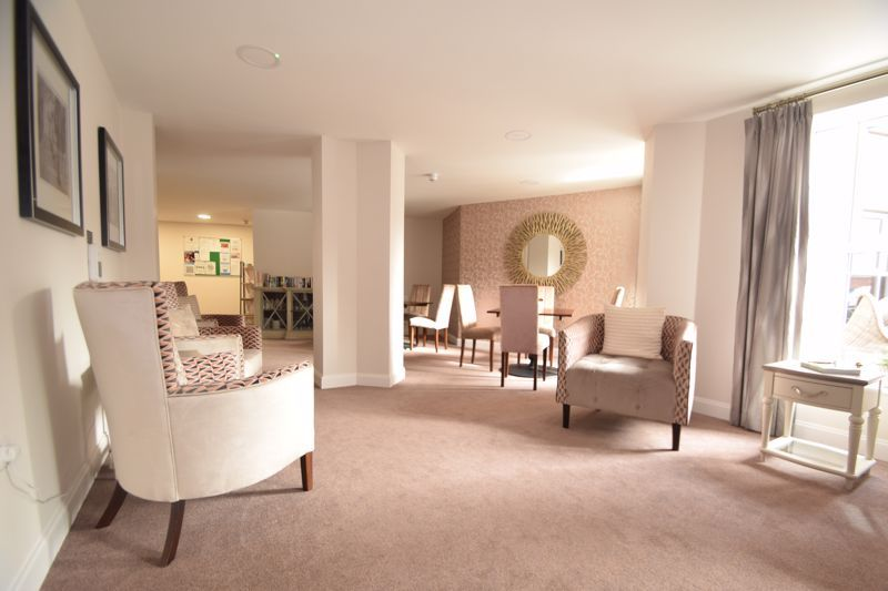 1 bed  to rent in Clive Road  - Property Image 5
