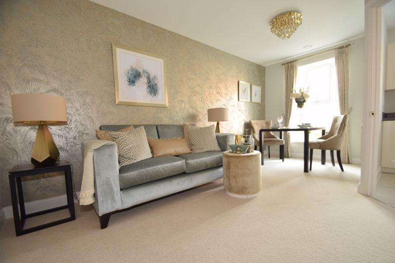 2 bed  to rent in Clive Road  - Property Image 14