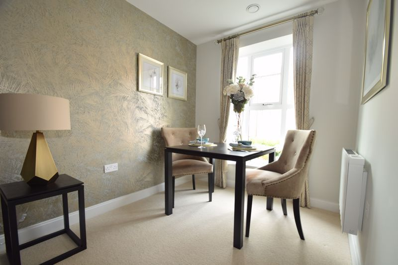 2 bed  to rent in Clive Road 15