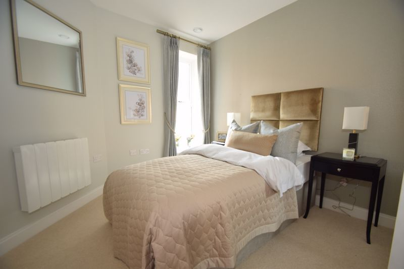 2 bed  to rent in Clive Road 7