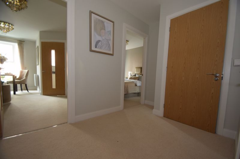 2 bed  to rent in Clive Road 9