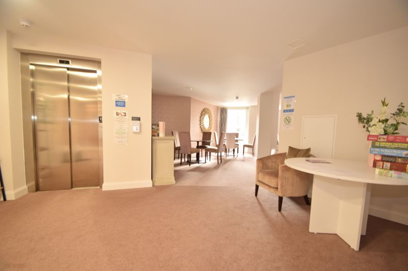 1 bed  to rent in Clive Road 5