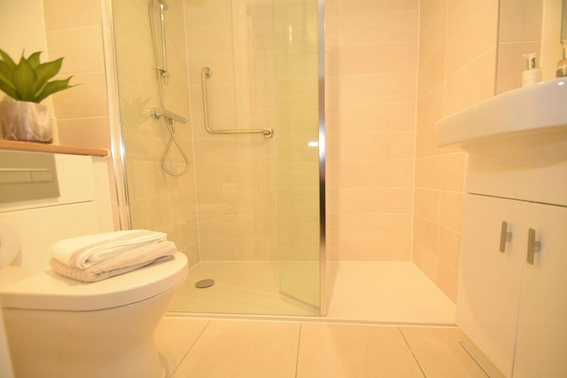 1 bed  to rent in Clive Road 9