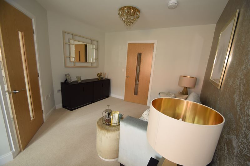 2 bed  to rent in Clive Road 8