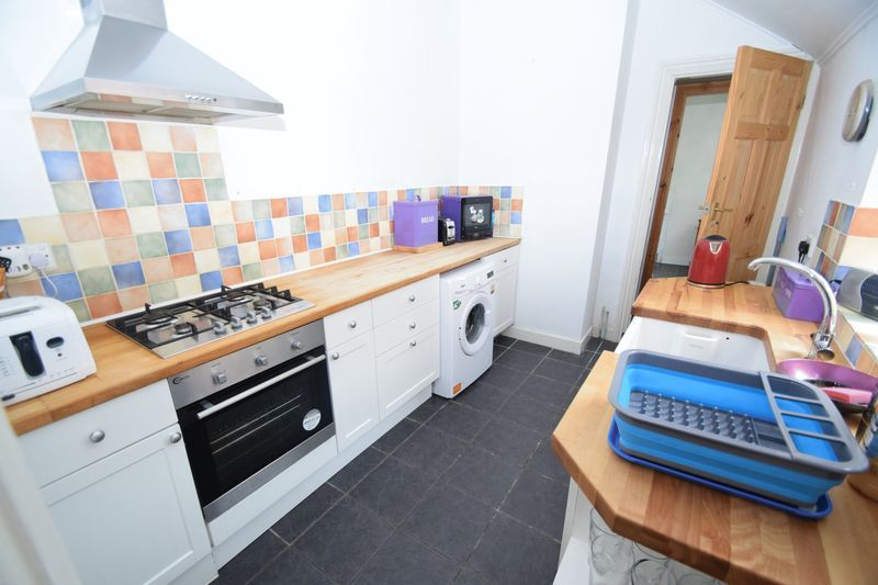 3 bed house for sale in Mount Pleasant 6