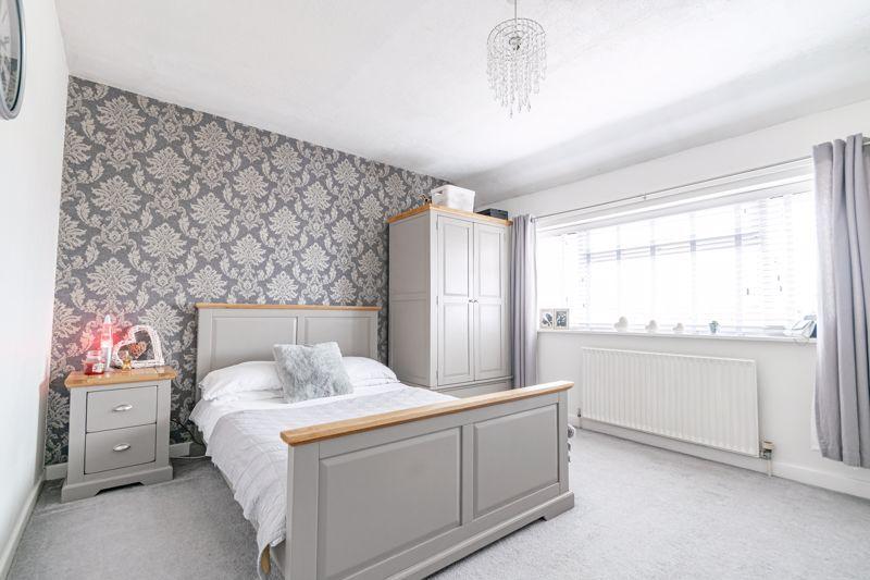 3 bed house for sale in Hazeldene Road 10