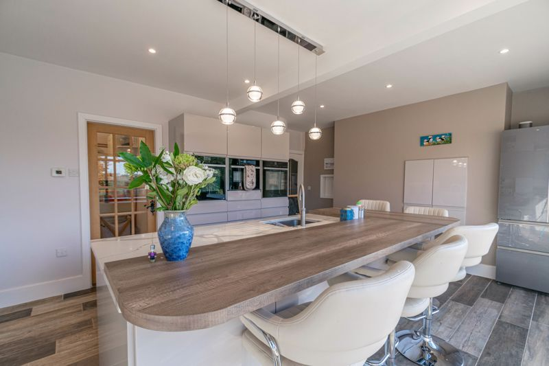 5 bed house for sale in Redditch Road  - Property Image 4