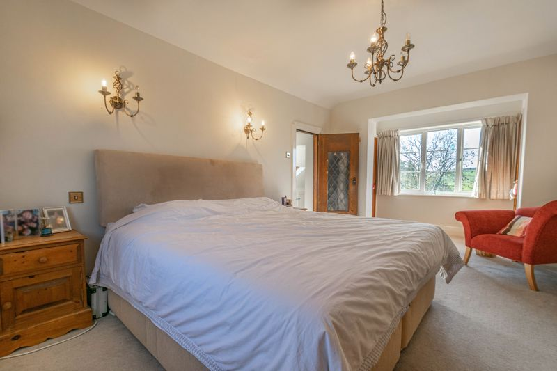 5 bed house for sale in Redditch Road 9