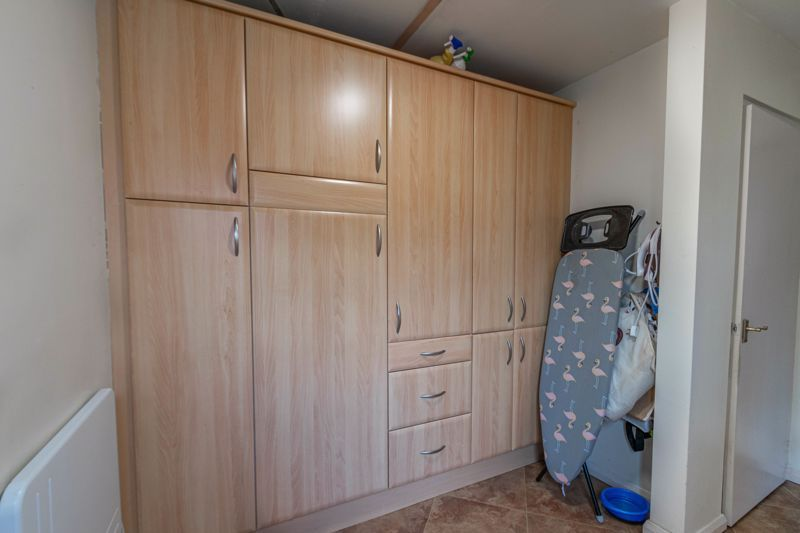 4 bed house for sale in Tennyson Road  - Property Image 16