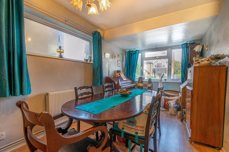 4 bed house for sale in Tennyson Road 5