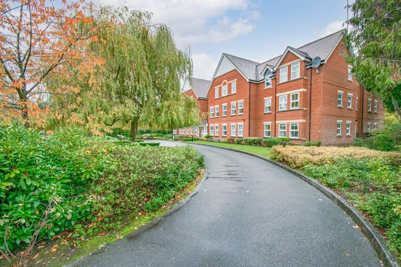2 bed flat for sale in College Road  - Property Image 2